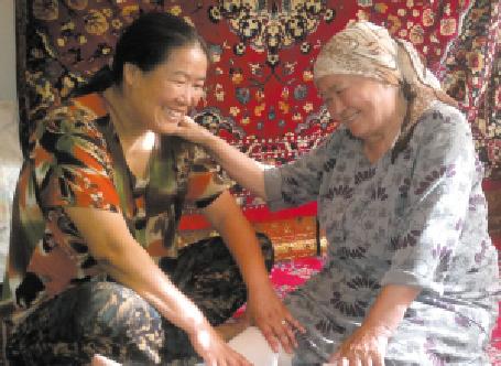 乌鲁木齐市大湾北路西社区9位老人享受免费家政服务